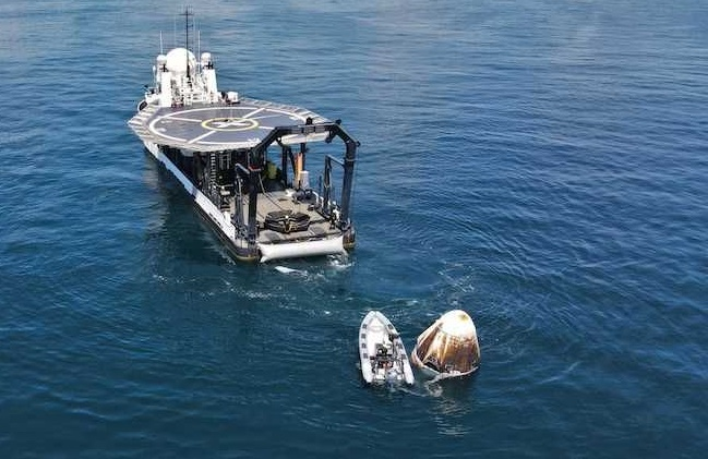 The new generation of SpaceX cargo capsule landed successfully