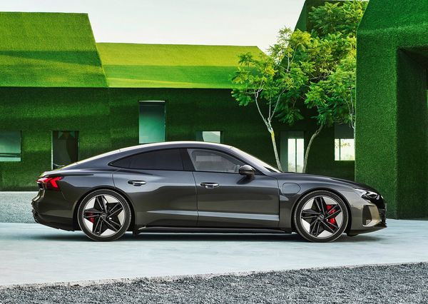 1613001403 637 The Audi e tron GT was introduced with a stunning design The Audi e-tron GT was introduced with a stunning design; Porsche Taikan twin, Tesla Model S rival 20