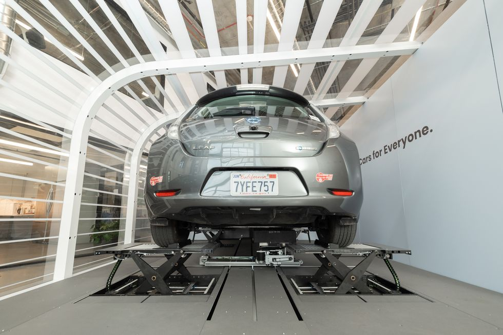 Startup Ample fully charges electric cars in 10 minutes