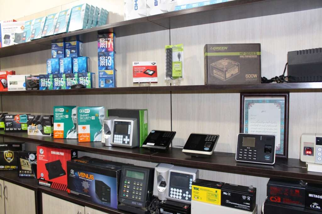 What are the consequences of banning the import of foreign goods with domestic samples to the hardware market?