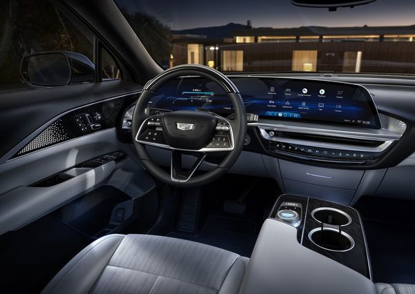 1619230582 61 Cadillac Lyric officially enters the world market The first electric Cadillac Lyric officially enters the world market; The first electric crossover in Cadillac history 12