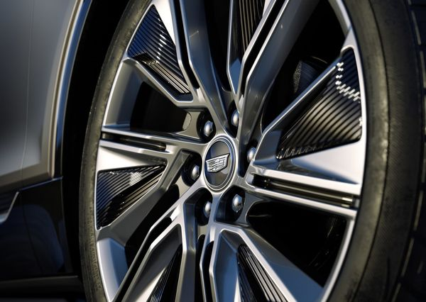 1619230583 331 Cadillac Lyric officially enters the world market The first electric Cadillac Lyric officially enters the world market; The first electric crossover in Cadillac history 24