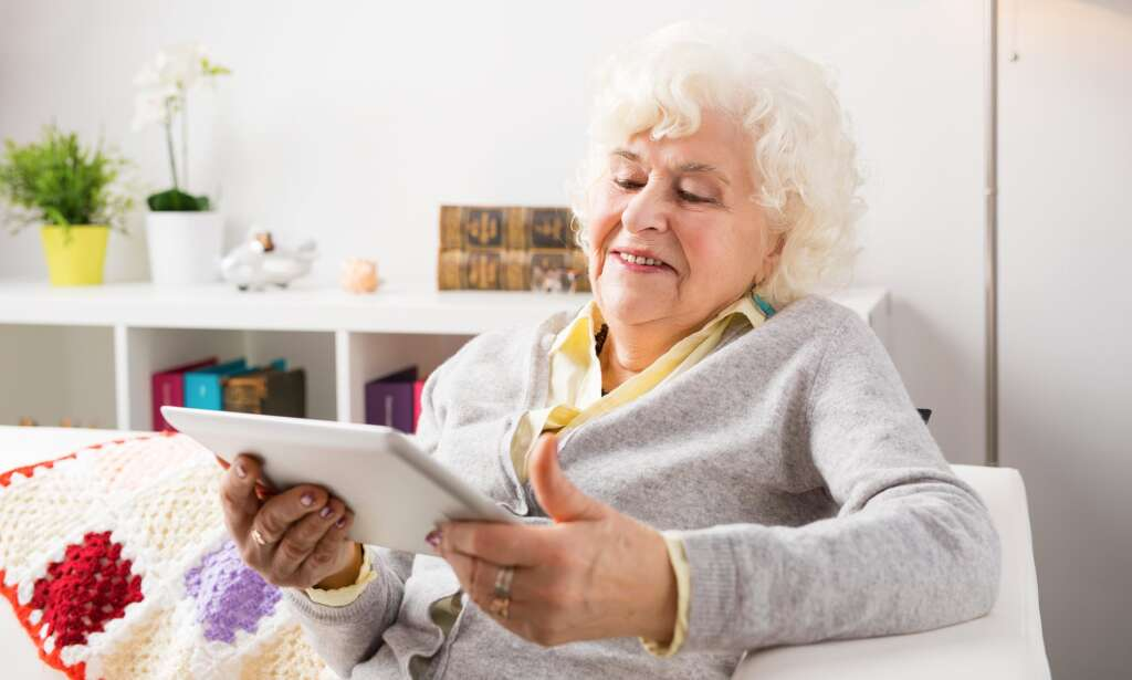 Cyberspace helps reduce depression and improve the quality of life of middle-aged people