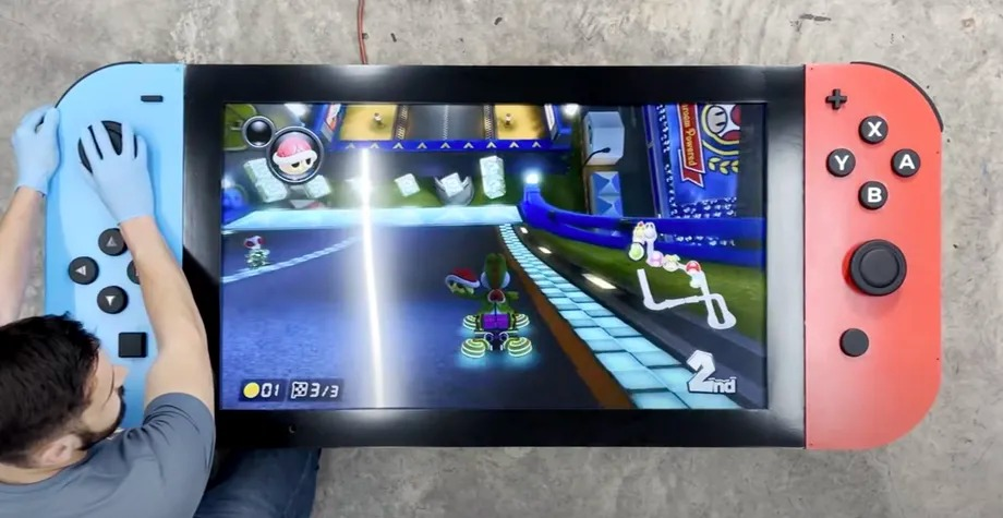 The worlds largest Nintendo Switch was built with 4K TV The world's largest Nintendo Switch was built with 4K TV 2
