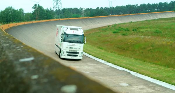 1631635464 363 The record for the largest range of motion of electric The record for the largest range of motion of electric trucks was broken 2